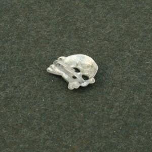 1st Pattern SS Skull Cap Badge RUM580   Richard A Underwood